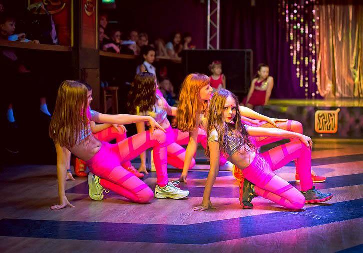 танцуют дети картинки для детей